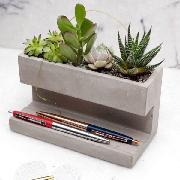 kikkerland desktop planter